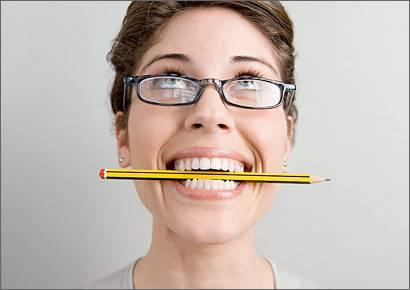Gigit Pensil Bisa Bantu Kurangi Sakit Kepala, Loh
