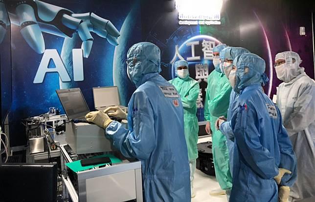 ▲鴻海宣布美國威斯康辛州,威谷科學園區中最大的廠房已完成封頂建設。同時美籍幹部也來台參加AI工廠管理訓練。(圖/鴻海提供)