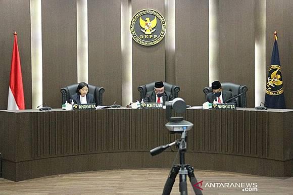 Dugaan Pelanggaran Etik Dkpp Jadwal Sidangkan Ketua Kpu Jeneponto Antaranews Com Line Today