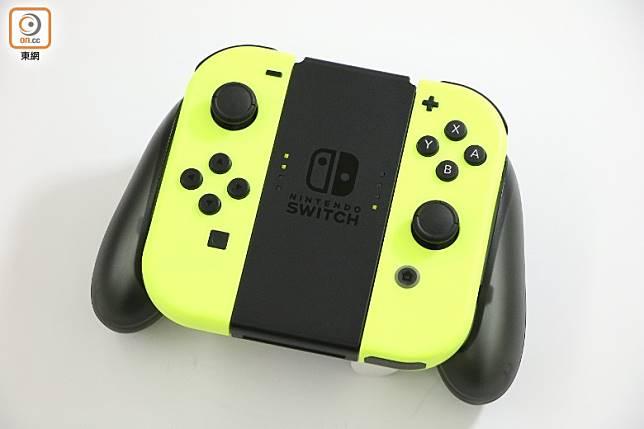 Switch Lite不附設Joy-Con,如想應用震動、動感IR照相機、動作感應等功能,就要另購Joy-Con及充電把手了。(盧展程攝)