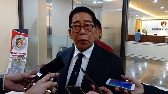 Eks Ketua DPR RI, Henry Yosodiningrat. (Suara.com/Arga).