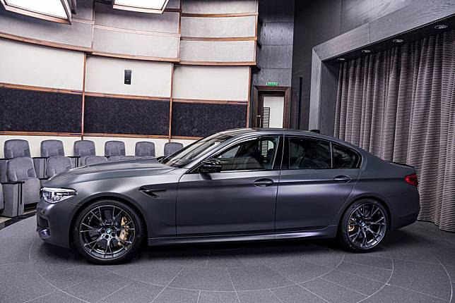 REVIEW: BMW M5 Edition 35 Years, Most Powerful Ever
