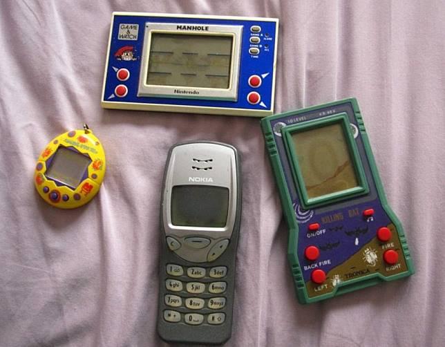 Nostalgia Era 90-an, Kamu Pernah Punya Gadget ini?