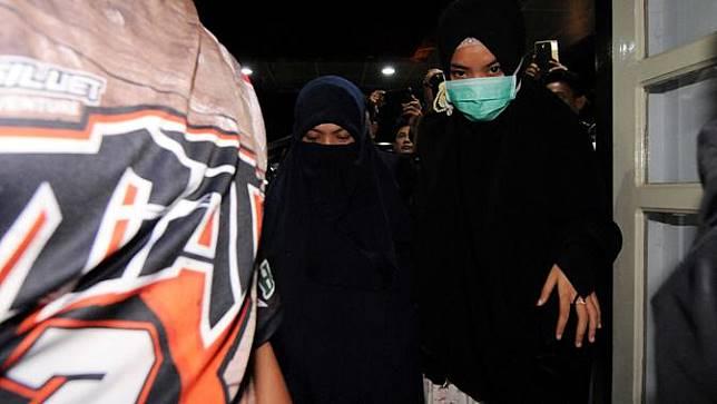 20161012-istri ali kalora-poso-teroris