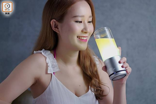 杯身採用食用級PC材質製成,聽住歌飲凍飲,爽呀!(張群生攝)