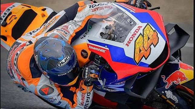 Pol Espargaro saat tes di sirkuit Jerez (MotoGP)