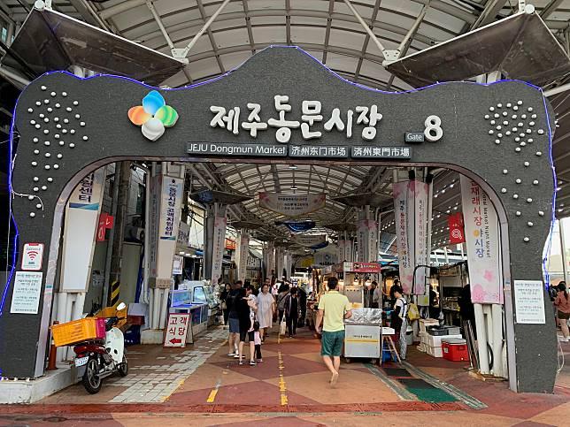 熟食夜市位於市場Gate 8附近。