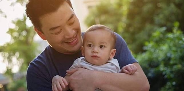 peran-ayah-dalam-perkembangan-anak-L.jpg