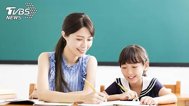 有網友發現女老師的結婚率其實不高,好奇地詢問為什麼?(示意圖/TVBS)