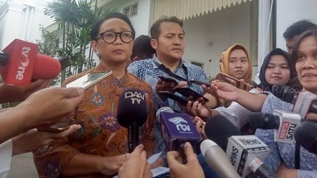 Menteri Luar Negeri Retno Marsudi mengungkapkan, telah bertemu Duta Besar Arab Saudi untuk Indonesia, Essam bin Abed al-Thaqari, guna membahas kebijakan tersebut. [Suara.com/Yosea Arga Pramudita]