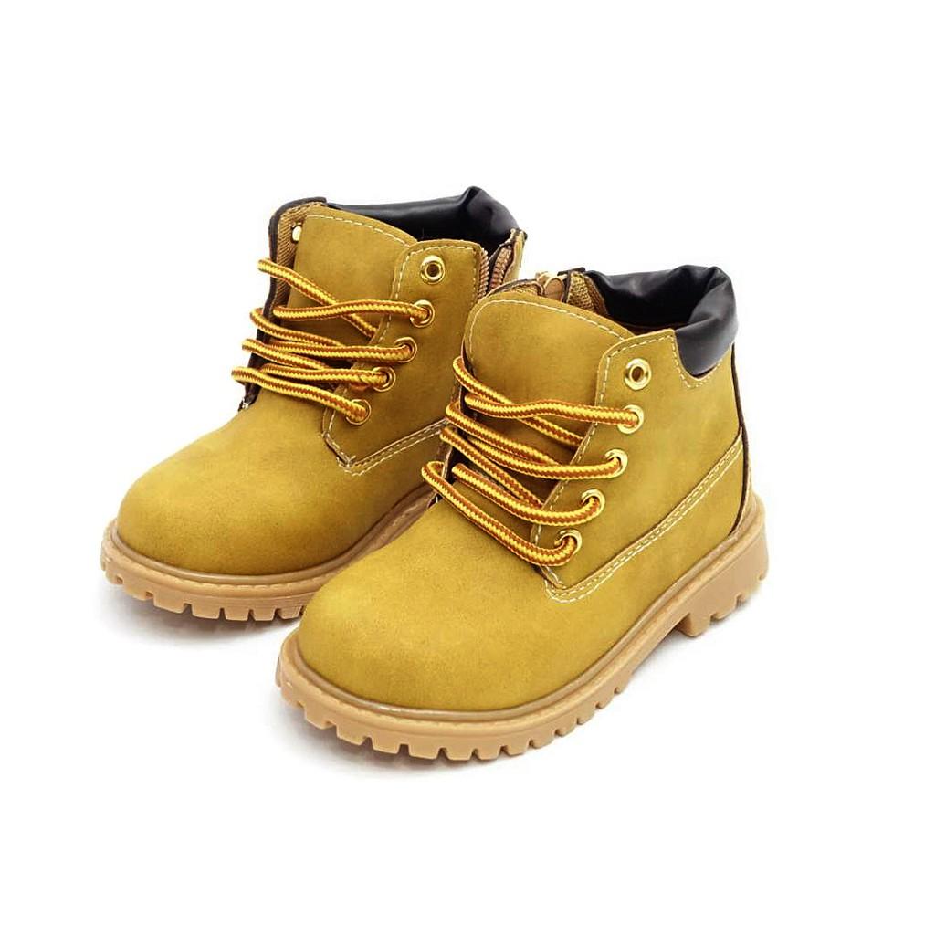 5~1cm,即是建議購買尺寸(想穿合腳一點請加0.5cm,想穿寬鬆一點請加0.6~1cm)。3.對照尺碼表,挑選適合的尺碼喔!(尺碼詳見各款鞋說明)。*何謂瑕疵*因我們都是中國製又以低價出售~若只是鞋