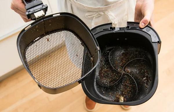 用氣炸鍋炸蔥油餅引燃火災,使用氣炸鍋該如何注意安全?