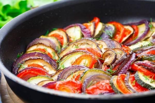7 Makanan Enak dan Unik yang Muncul di Film Terkenal, Pernah Coba?