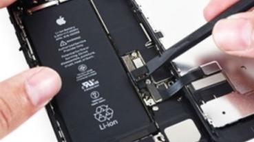 手機品牌又要傷腦筋了!歐盟打算推出法案規定電池必需更好拆卸