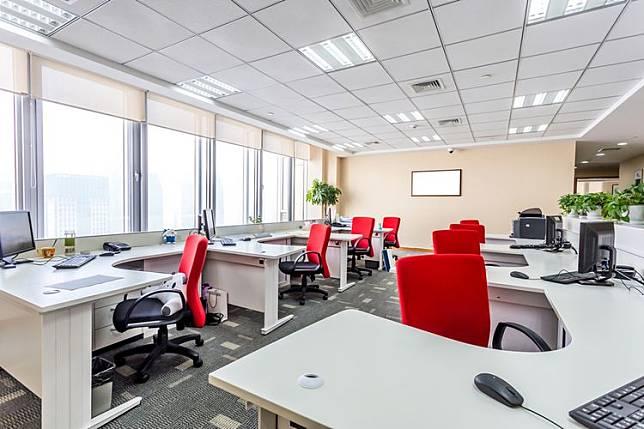 Ilustrasi ruang kantor(SHUTTERSTOCK)