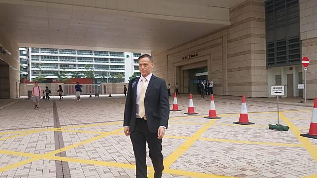 一級懲教助理鄭偉出庭作供。法庭記者攝
