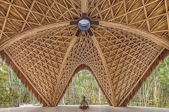 01-luum-temple-catenary-bamboo