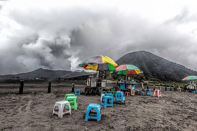 Gunung Bromo Meletus 28 Kali, Terjadi Hujan Abu