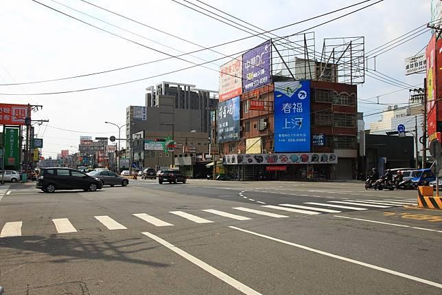 第二名的路口位於竹北市中華路和光明六路的路口,去年共有21234萬件。記者郭政芬/攝影