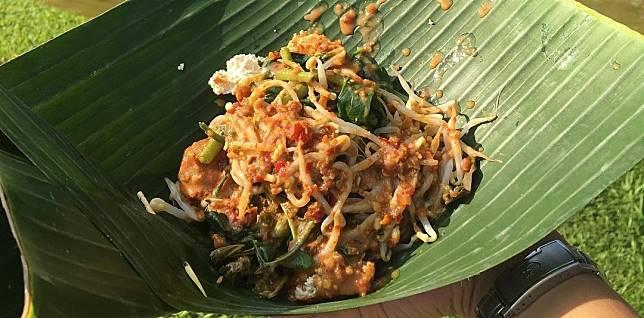 7 Nasi Pecel Khas Indonesia Serupa Tapi Ternyata Tak Sama