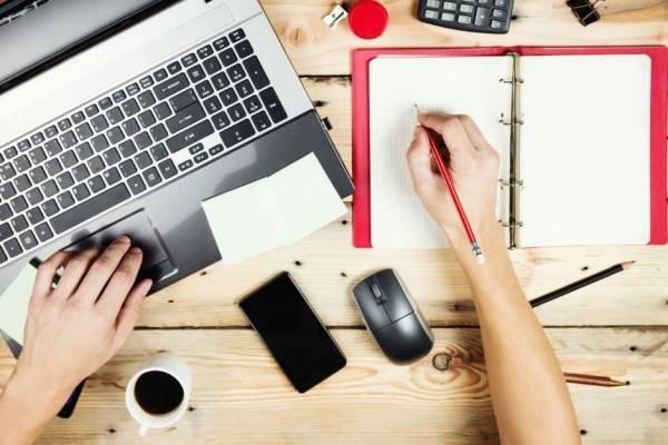 7 Pekerjaan Ini Cocok Buat Kamu yang Suka Menulis