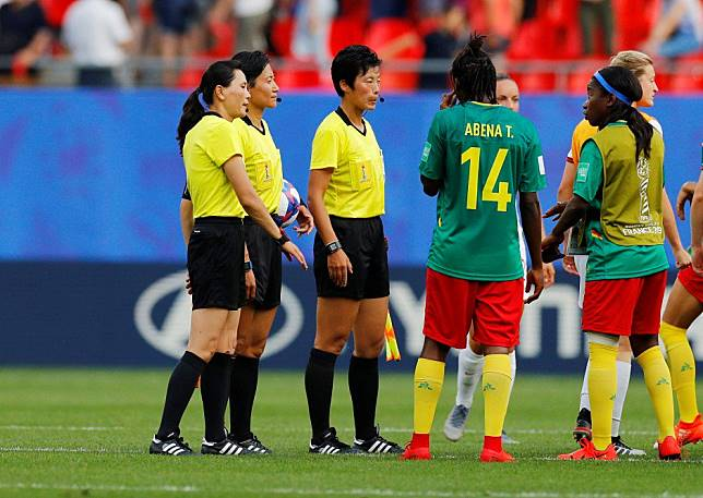 Fifa Women's World Cup: Chinese referee accused of racism and 'wanting England to win' by Cameroon