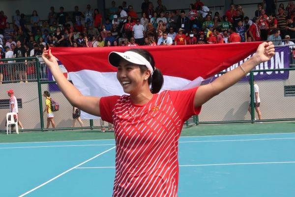 Petenis tunggal putri Indonesia Aldila Sutjiadi salah satu peraih emas di SEA Games Manila