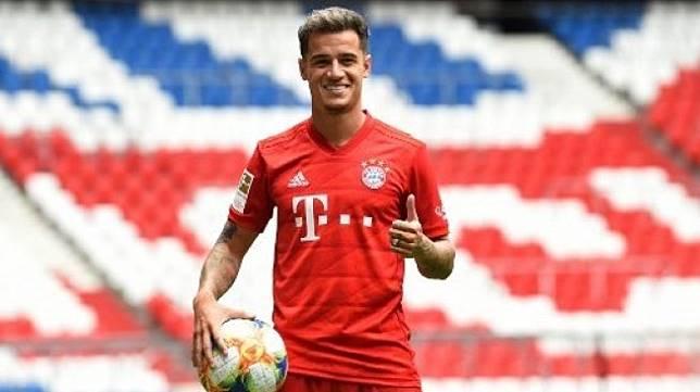 Pemain Brasil Philippe Coutinho diperkenalkan sebagai pemain baru Bayern Munich setelah dipinjam dari Barcelona. Christof STACHE / AFP
