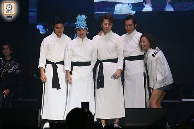 「跳躍F4」現身~仲有陳瀅(右一)上台「呃相影」。