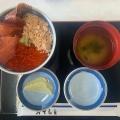 丼物 - 実際訪問したユーザーが直接撮影して投稿したウトロ東魚介・海鮮料理ウトロ漁協婦人部食堂の写真のメニュー情報
