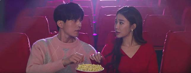 Ini 5 Film Komedi Romantis Dari Netflix yang Bisa Bikin Kamu Baper!