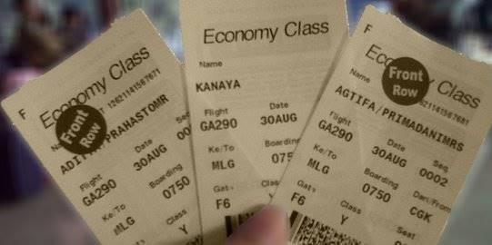 Tiket pesawat. ©theprahasto.files.wordpress.com