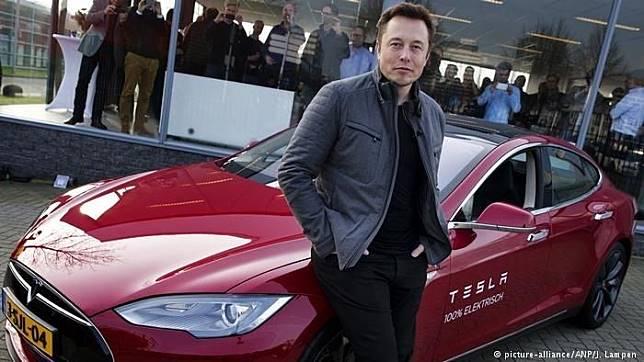 Elon Musk pimpinan produsen mobil Tesla