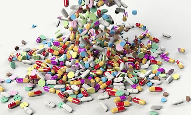 Sering Dilakukan, Kebiasaan Menggerus Obat sebelum Diminum Bisa Sebabkan Overdosis