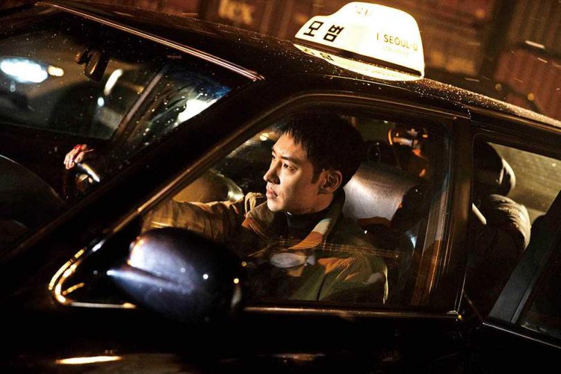 喜歡開車的李帝勳,拍攝時親自展現甩尾等高難度技巧。(圖/friDay影音提供)