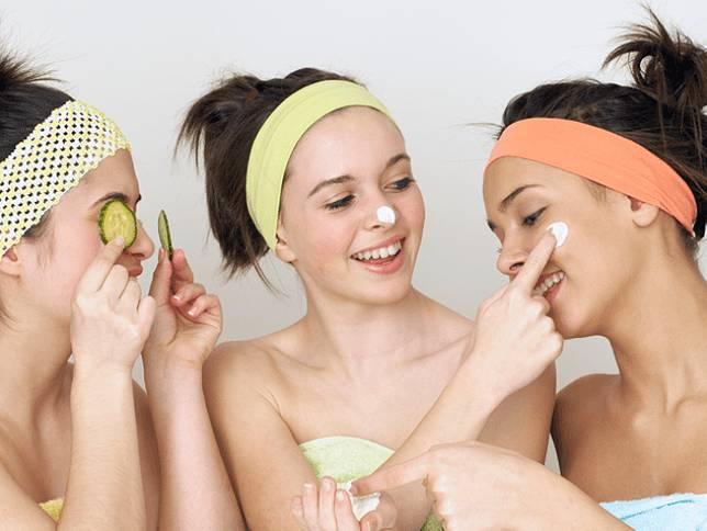 6 Jenis Perawatan Wajah yang Perlu Kamu Coba di Usia 20an 7d1770ee95
