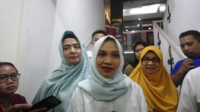 Putri Amien Rais, Hanum Salsabiela Rais usai menjalani pemeriksaan polisi terkait kasus hoax Ratna Sarumpaet, di Polda Metro Jaya, Senin, 27 Maret 2019, TEMPO/Taufiq Siddiq.
