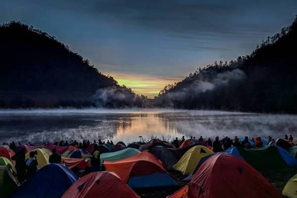 10 Gunung di Indonesia yang Dikenal Paling Angker, Pernah ke Sini?
