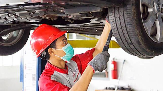 Kapan Tanda-Tanda Mobil Perlu Spooring dan Balancing?