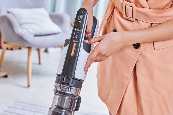 MC-BJ990 無線吸塵器搭載的「Clean Sensor 微塵感知技術」,可偵測灰塵與塵蟎數量,自動調節吸力,連小至 20μm 的細微蟎蟲屍體、糞便都能發現。