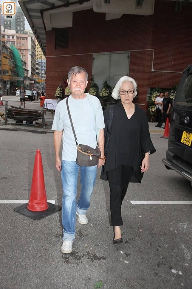 雪妮與老公唐佳。