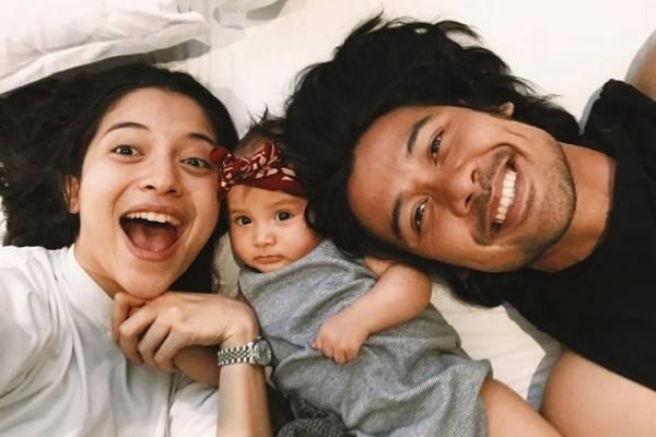 Manis, 10 Potret Keluarga Kecil Chicco Jerikho dan Putri Marino!