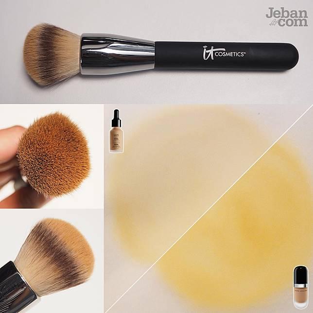 แปรงหัวกลม Round Top Brush : เหมาะกับรองพื้นเหลวๆ ถ้ารองพื้นหนาจะกระจายไม่ทันมันแห้งก่อน หน้าจะดูหนาเตอะ แล้วอาจจะหนาเป็นจุดๆ ลองซูมรูปดูค่า
