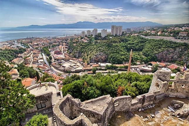 馬泰拉為歐洲古城,真的有點像古時的耶路撒冷呢!(互聯網)