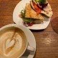 フラットホワイト - 実際訪問したユーザーが直接撮影して投稿した西新宿コーヒー専門店PAUL BASSETT 新宿店の写真のメニュー情報