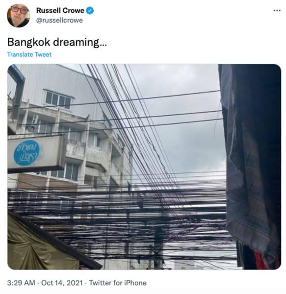"""พระเอกออสการ์ """"รัสเซล โครว์"""" โพสต์ภาพเดินเที่ยวกรุงเทพ ระหว่างมาถ่ายหนังในไทย"""
