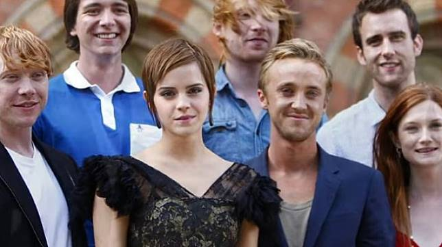 Emma Watson dan Tom Felton. (YouTube/Clevver News)
