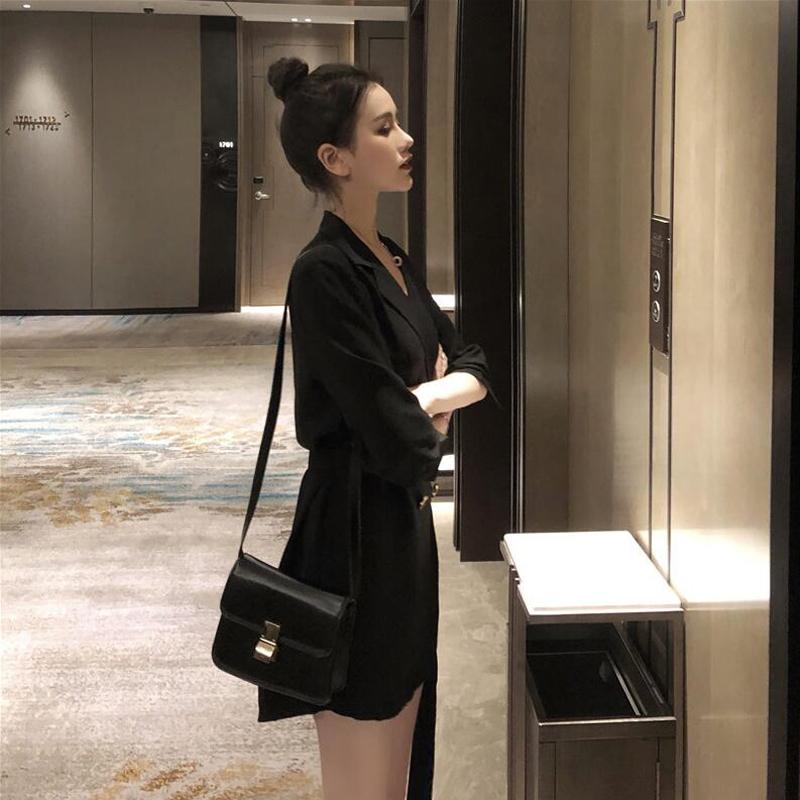 法式復古襯衫小黑裙夏季赫本收腰裙子2019春裝新款暗黑系連衣裙秋