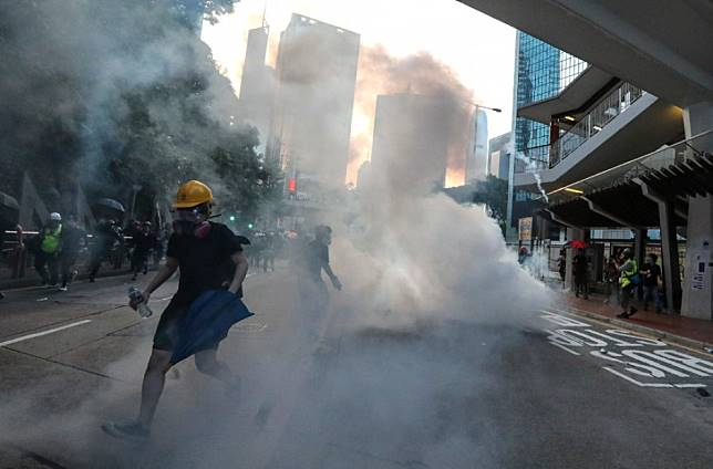 Hong Kong protests: A look from inside and outside China's Great Firewall