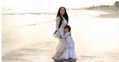 Pengobatan Kemoterapi Putri Denada Dihentikan, Kenapa?